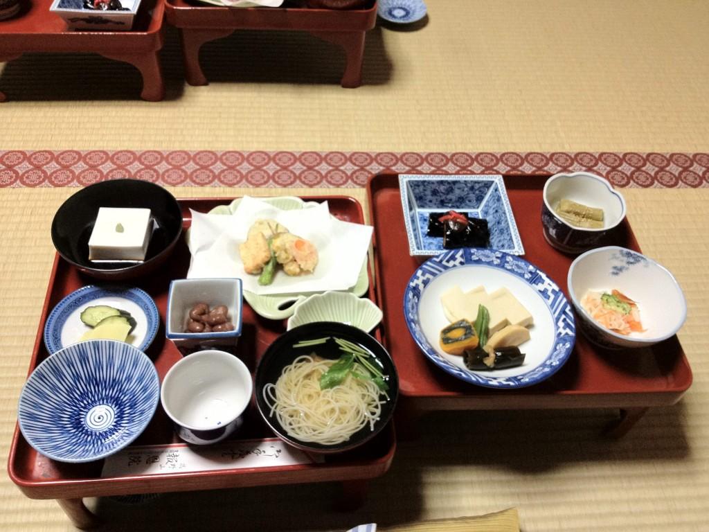 Cena vegetariana al tempio